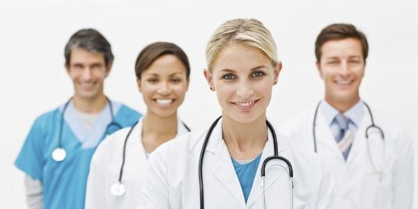 jaki lekarz leczy hemoroidy?